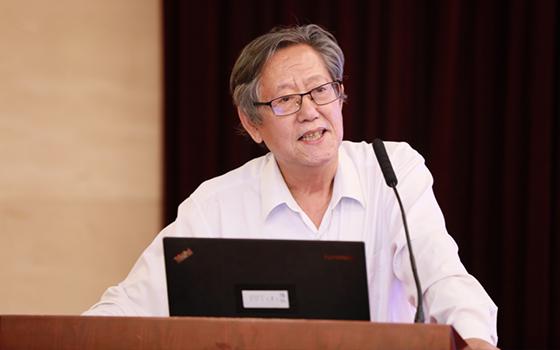 经济日报社原总编辑冯并出席会议